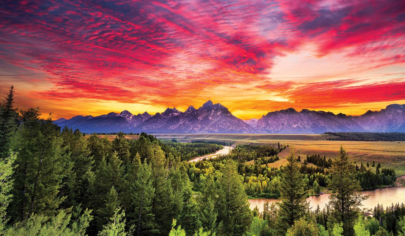 Sunset over the Teton Mountains and Snake River at Grand Teton National Park in Wyoming