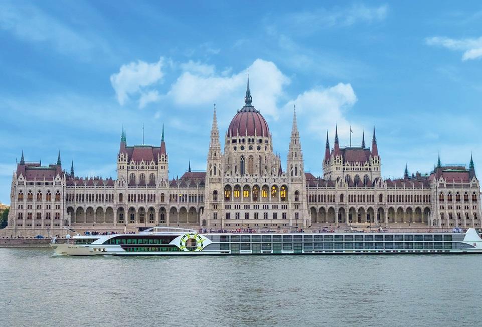 ms Savor in Budapest