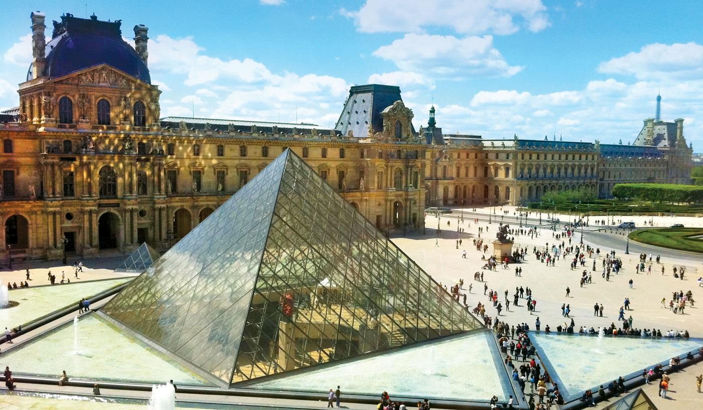 Week in London Paris Escorted Tour