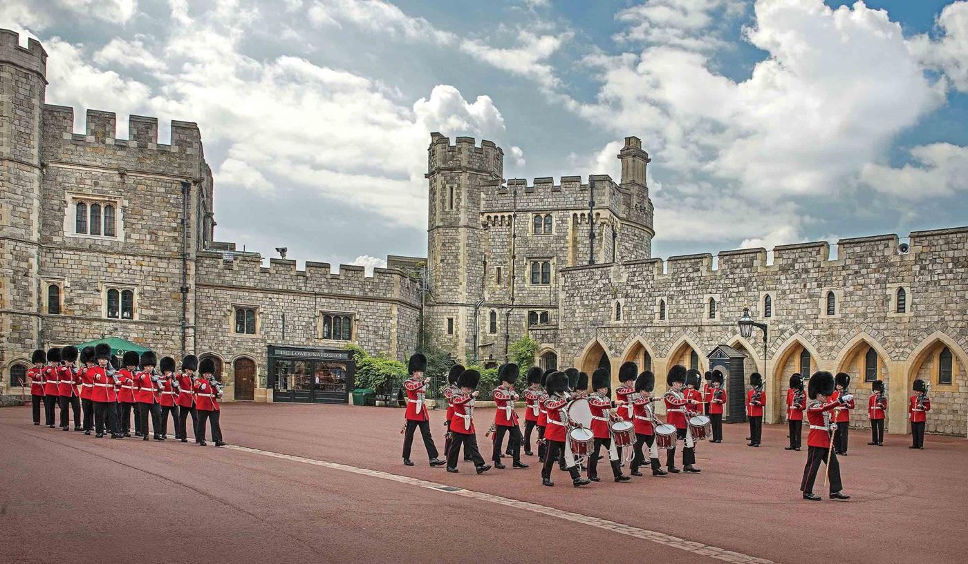 Castles Kings London Paris Escorted Family Tours
